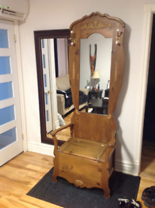 Chaise d'entree avec miroir