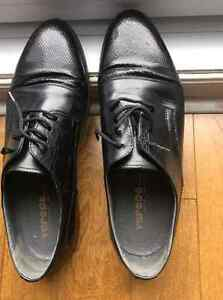 Different shoes 2 size 81/2 and 1 size 9
