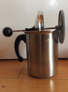 Milk Frother for Cappucino and Latte
