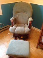 Chaise berçante et plus