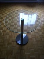 JOLIE TABLE RONDE SUR BASE CHROMÉE /NICE ROUND TABLE