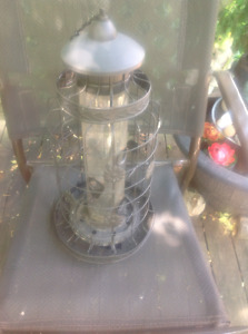 Squirrel/Rodent Proof Bird Feeder & Suet Cage With Roof