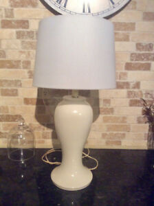 White table lamp with barrel shade