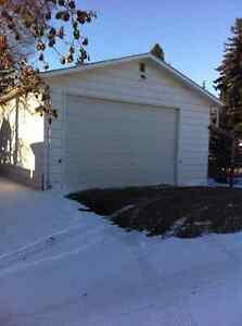 Garage storage parking for rent in edmonton kijiji for 10 foot high garage door
