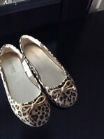 size 1 girls shoes (4 pairs)