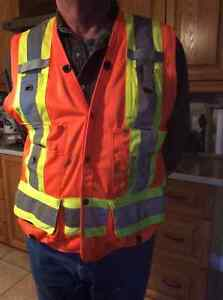 Safety vest Cornwall Ontario image 1