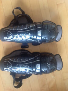 "Reebok Junior Hockey Knee pads Size 11""/28cm"