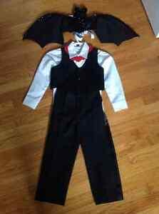 Kids Vampire Bat Costume -size 5/6