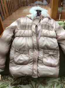 New girl's winter jacket barely used size 6x-7