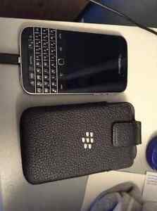 Blackberry Classic excellent condition with case