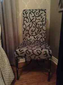 Accent chair with iron legs