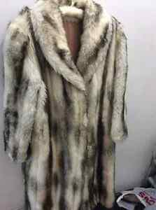 Winter coat. Faux fur. Manteau d'hiver