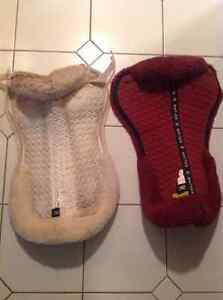 Mattes sheepskin saddle pad white only (red sold)