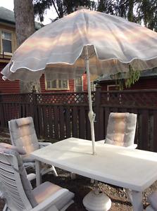 Pwhite patio set