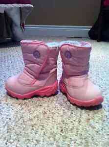 Kamik girls winter boots size 6; pink