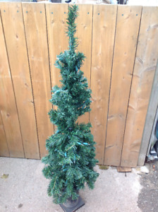 "48""H Christmass Tree in Urn with Electric Christmass Lights"