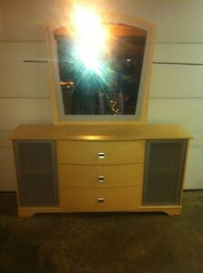 Ashley furniture dresser with mirror