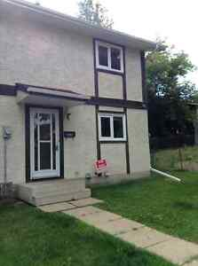 THREE BEDROOM TOWNHOUSE FOR RENT IN SPRUCE GROVE