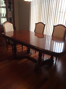 Cherry Wood Dining Set & Hutch