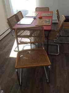 6 chaises de salle-a-manger
