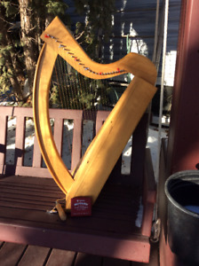 WIRE-STRUNG LAP HARP AND ACCESSORIES