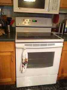 LG stove for sale.