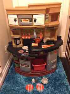 Large Step 2 play Kitchen and accessories