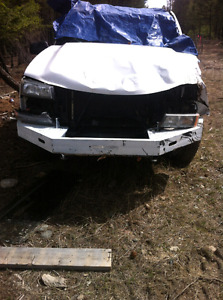 05 Chevy 2500 parts truck