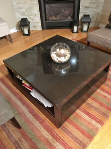 REDUCED!!! Crate and Barrel - Tourney Pullout Coffee Table