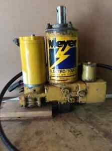 Meyers snow plow pump and assembly