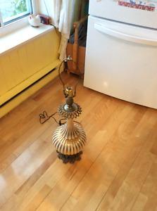 lampe antique type Ananas