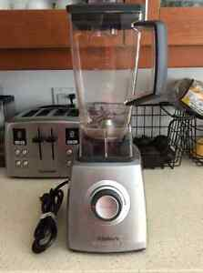 VILLAWARE MODERNO PRO BLENDER PERFECT CONDITION $60