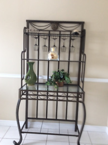 KITCHEN BAKERS RACK NEW CONDITION