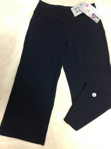 Brand New with tag-Royal Alexandra Capri pants size 6