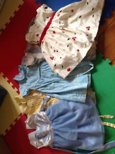 Lot de  5 robes 2 ans