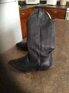 Woman's size 6 Boulet made in Canada all leather cowboy boots