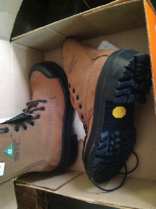 Men's work boots size 7.5
