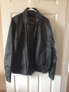 BRAND NEW!!!!MENS BLACK LEATHER JACKET