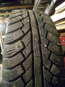Set of 4 studded snow tires