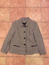 Isle size 16 dogtooth jacket