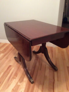 Duncan Phyfe dining table