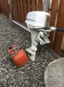 6hp chrysler outboard motor and tank