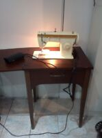 Wow this is a Singer Sewing machine in excellent condition