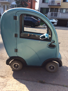 Quadriporteur avec cabine - Mobility Scooter Covered