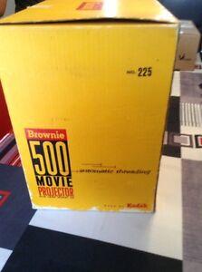 Movie projector  500 brownie Gatineau Ottawa / Gatineau Area image 7