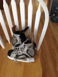 Kids sz. 3 Easton skates