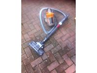 Dyson cylinder cleaner