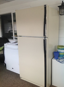 Fridge and icemaker