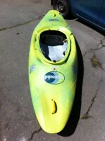 Pyranha Inazone 242 Whitewater Kayak/Playboat