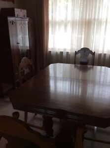 Antique 9 Piece Solid Wood Dining Room Suite